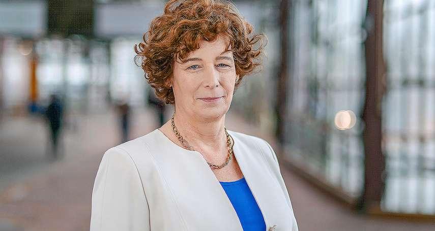 LGBT歷史里程碑》跨性別婦產科醫師當上比利時副總理 40歲才決定改變性別