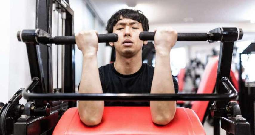 練重訓好處超多!體育博士:重訓不只讓人變壯,還能對抗3大老化症狀