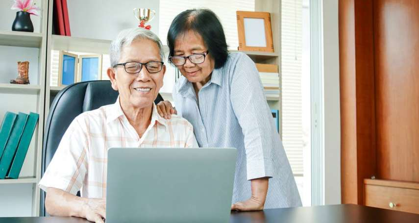 60歲才開始投資也不嫌晚!專家曝一招無痛存退休金,5年後不工作也能每月爽領3萬塊