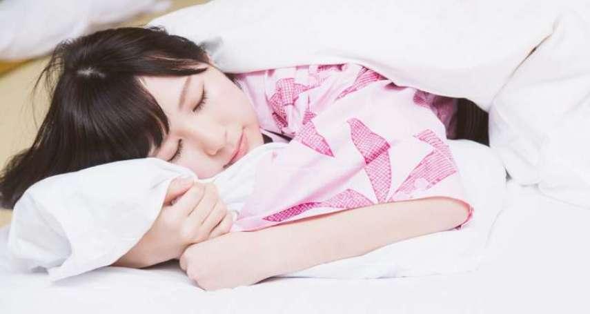該如何睡覺,才能讓學習效率倍增?神經學博士用科學實驗,揭開睡眠真相