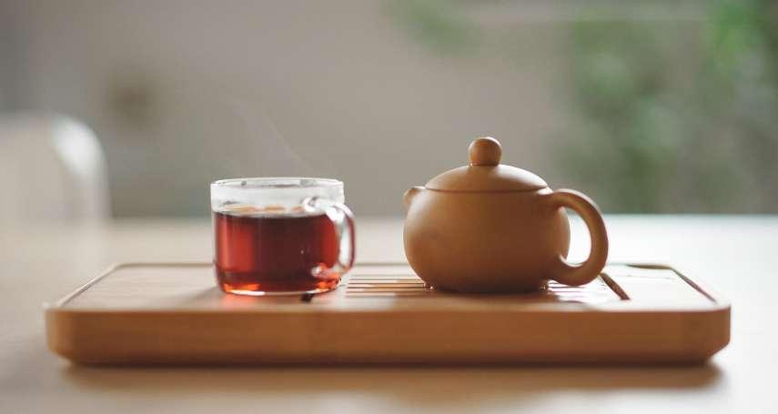 泡茶時直接把熱水沖進茶壺裡?小小動作毀了好茶!常見NG喝茶習慣別再犯了