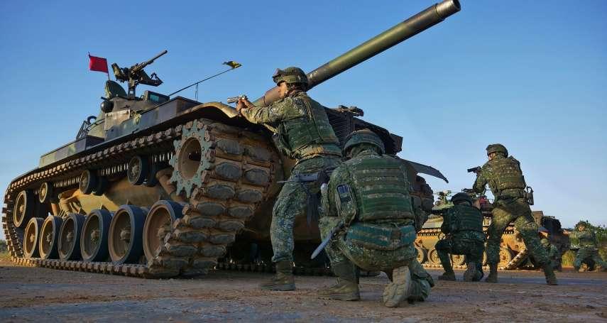 戰車乘員下車戰鬥,砲塔為何不一致對外?退役車長親解釋