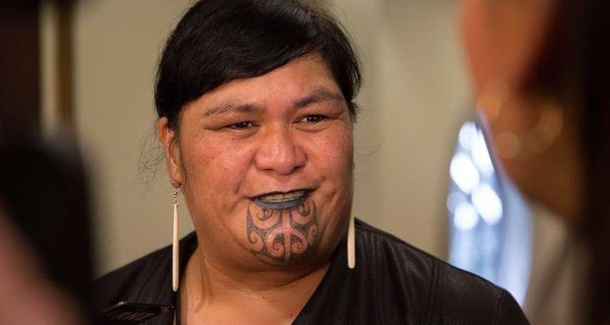 毛利文面超吸睛》史上首位女性原住民外長!紐西蘭外交部長矢言對中國「有話直說」