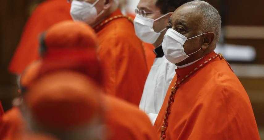 天主教會里程碑》美國出現首位黑人樞機主教 不反對挺墮胎權的拜登領聖餐