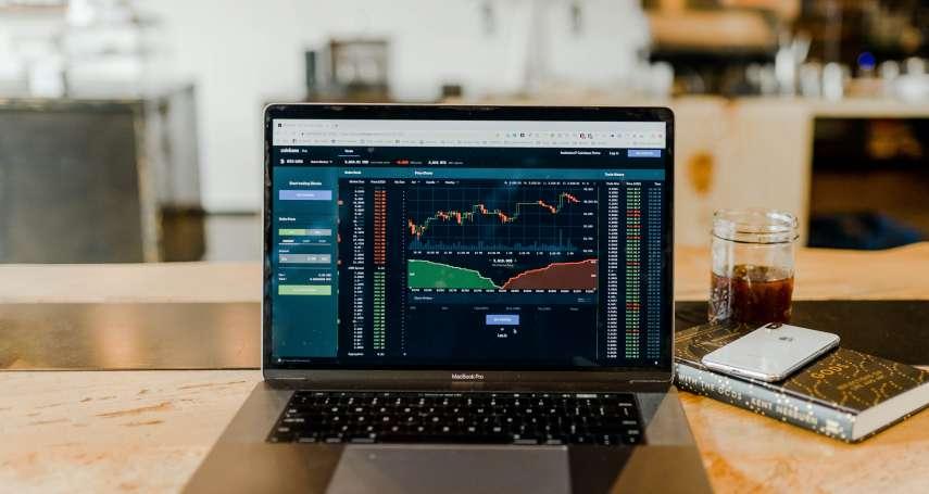 股市大跌投資人該跑還是留?他公開2心法站穩腳步,股災也能獲利30%