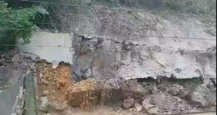 慘!土石流入侵台鐵軌道 台北往宜花東列車雙向全斷
