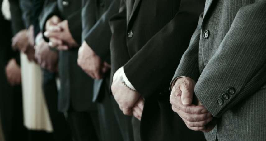 眼淚不能滴到亡者身上、父母過世不能剪指甲…喪禮7大習俗禁忌,他:根本是禮儀人員騙人的把戲