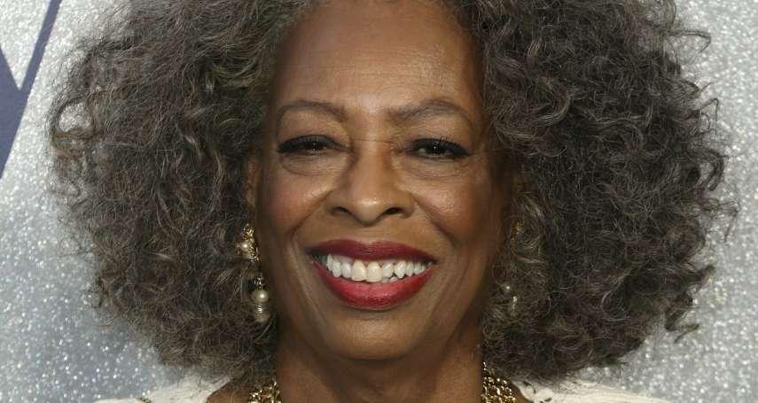新冠肺炎引發併發症 76歲《猩球崛起》女星卡洛薩頓辭世