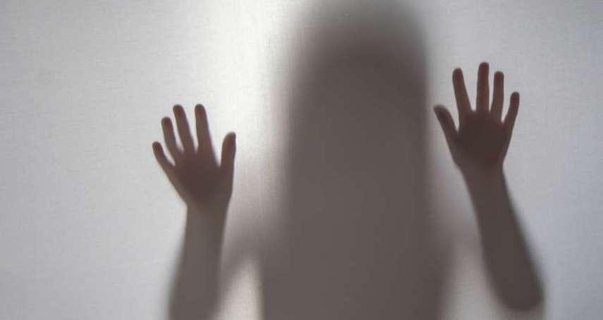 把女兒獻給男友?17歲少女遭猥褻,淚訴媽媽卻換來無視!她揭恐怖母親討好男友背後的心態