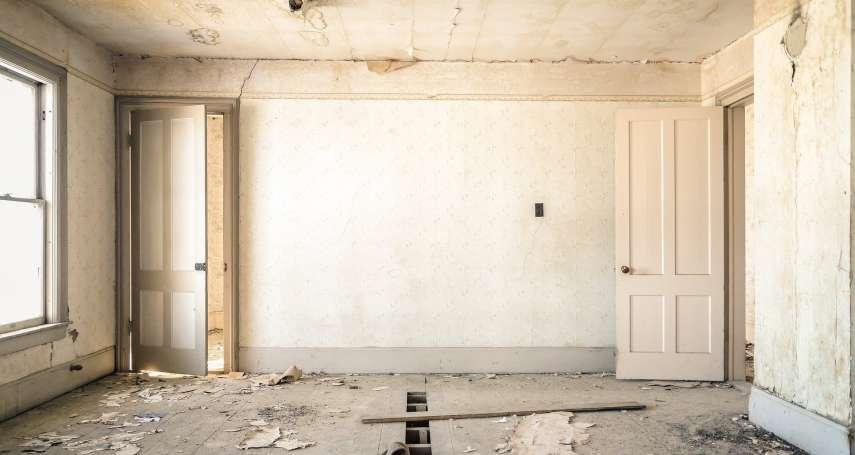 裝潢工程期牆壁竟被塞了這東西!內行人笑:大樑上還有更多奇妙的東西你沒看到