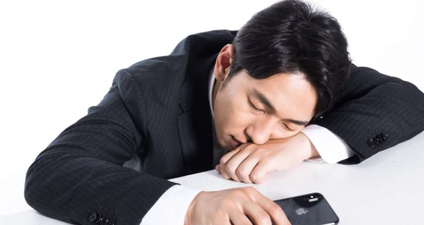 睡覺流口水竟是健康警訊?醫曝背後7大原因,其一恐是這疾病前兆