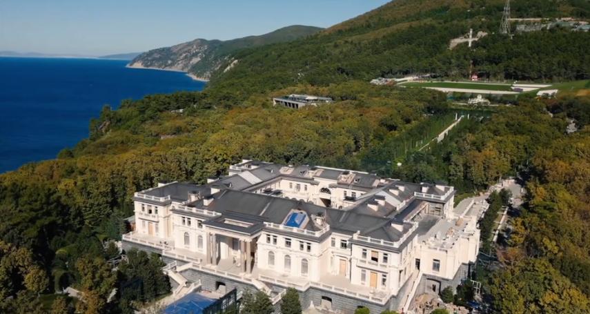 納瓦爾尼發布普京貪腐證據,普京公開回應:影片裡的豪華別墅「不是我的」