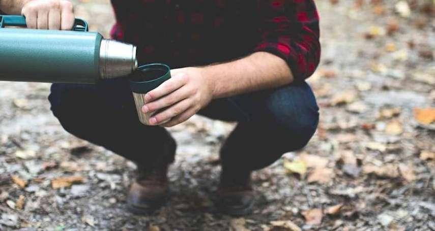 保溫杯不能裝咖啡、牛奶、茶包嗎?一般人常有的4大迷思,醫師一次全破解