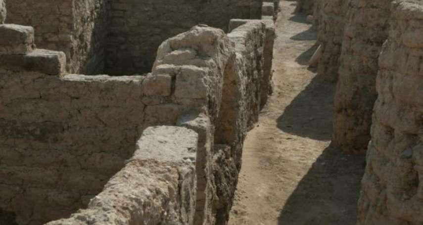 圖坦卡門後古埃及最大發現!3千年前古城遺址完整出土,街道器物均保存良好