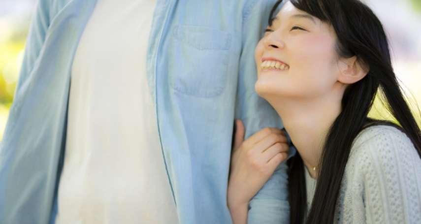 為何許多女生總是遇到渣男,卻又愛到無法自拔?心理師道出感情中執迷不悟的真相