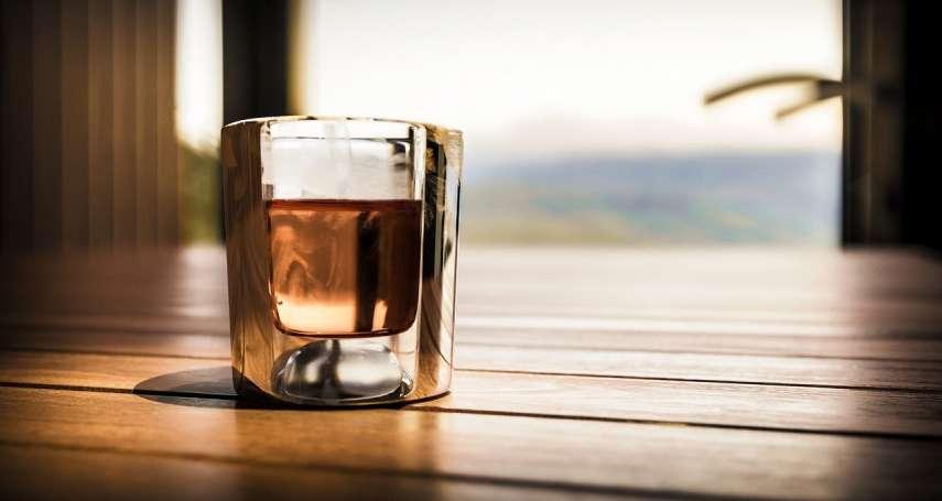 為何總喝不出威士忌的好?達人分享品酒三步驟:選對角度靜置片刻,好味道呼之欲出