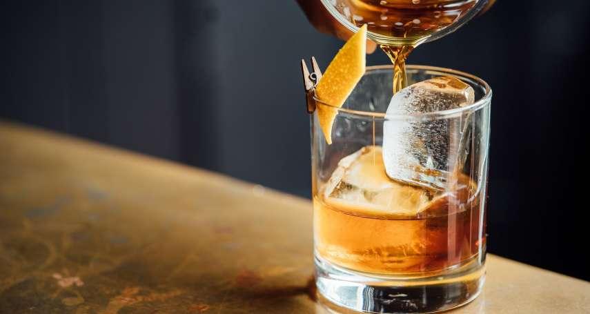 明明原料配方不同,為何美國威士忌喝起來都很像?釀造過程大揭密,關鍵原來在這步驟