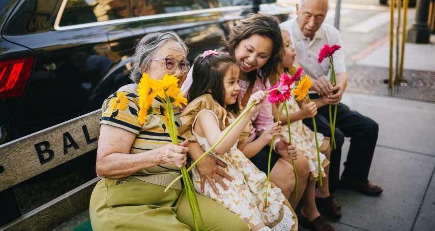 為何母親節的日期是五月的第2個星期天?送哪種顏色的康乃馨最好?一篇文揭秘背後超感人意義