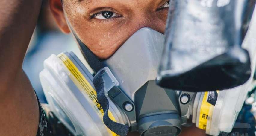 短片記錄化學兵連日消毒身影 國防部:軍民同心,定能「戰疫」成功