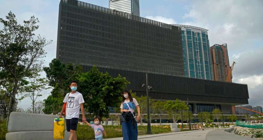 華爾街日報》國安法下,「對天安門比中指」藝術照會展出嗎?考驗香港藝術自由的時候到了
