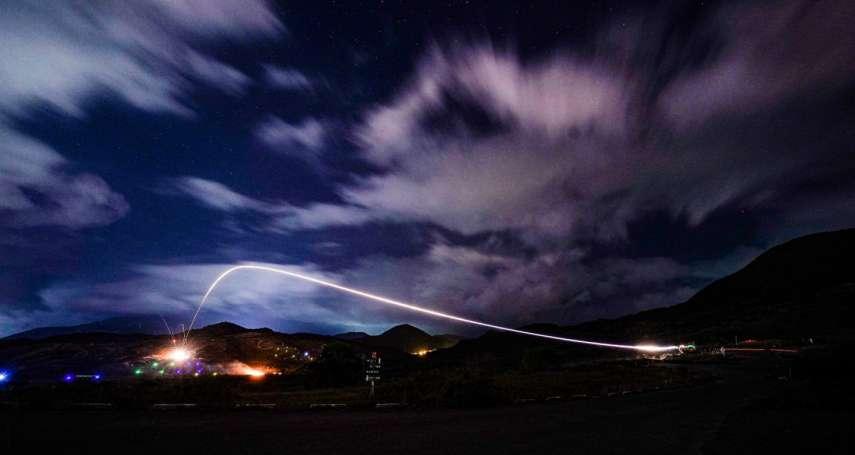 夜色下的神秘拋物線!海軍陸戰隊「先進反裝甲飛彈」震撼曝光