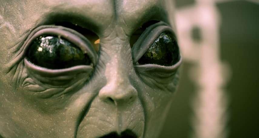 為何美國人對飛碟、外星人這麼感興趣?揭UFO熱潮不為人知的起源真相,竟然與這國家有關