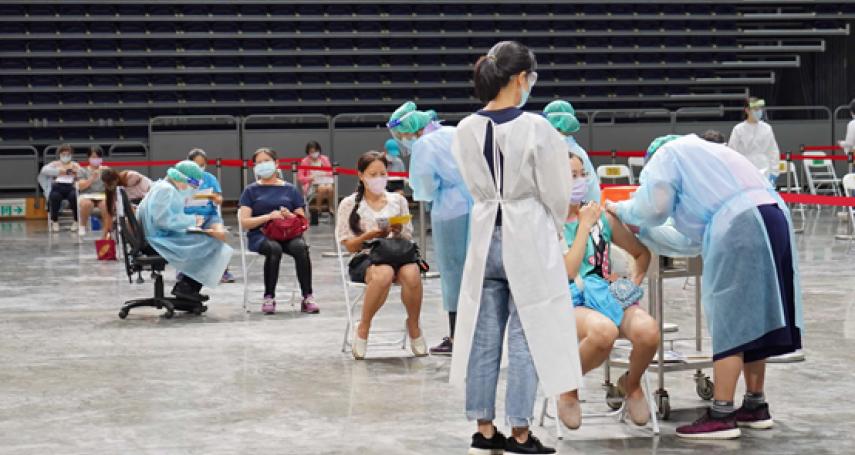 高雄巨蛋疫苗接種站   31組流行音樂歌手藝人齊聲應援抗疫