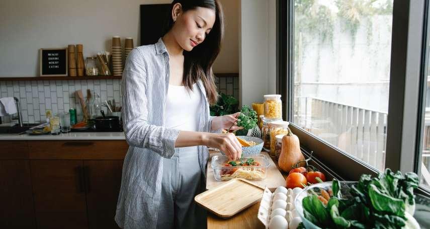 食譜》苦瓜蛤蜊雞湯自己煮,怎麼燉才能甘甜好喝?內行人曝去除苦味最重要的1步驟