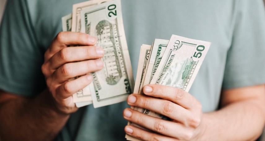 為何多數人在股市裡都小賺大賠?千億富豪分析散戶最容易輸錢的3個特質,血汗錢全付諸流水